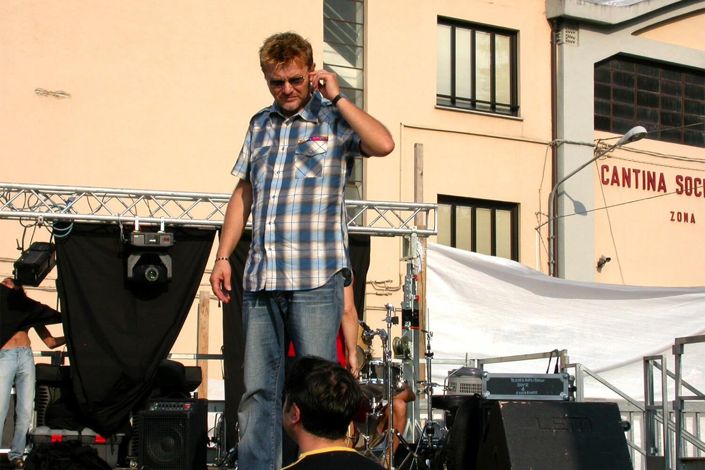 Ron sul palco de l'isola in collina 2003 prove
