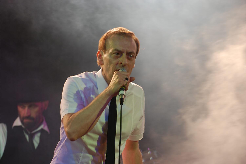 Marco Ermanno Giovanardi sul palco de l'isola in collina 2011