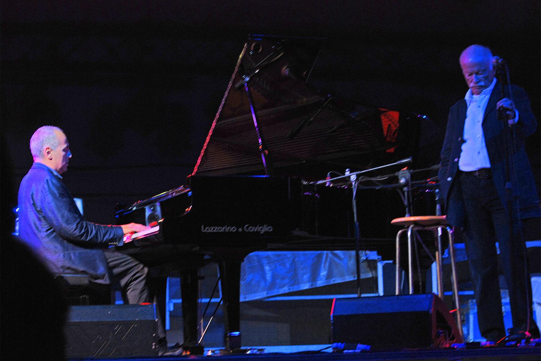 Gino Paoli sul palco de l'isola in collina 2011